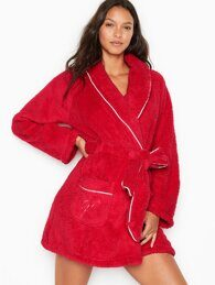 Короткий халат Extra Plush Robe Victoria's Secret
